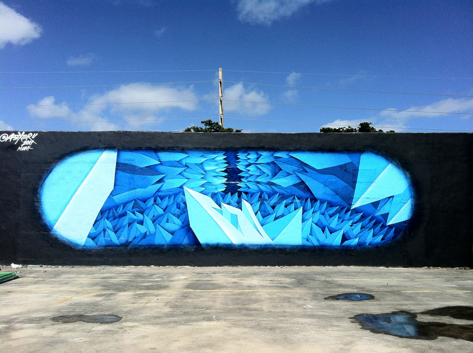 Apexer mural created for the Art Basel event in 2011